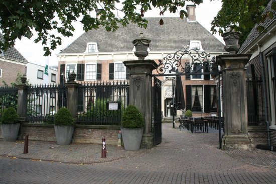 Hampshire Hotel - 's Gravenhof Zutphen: Front view of the hotel