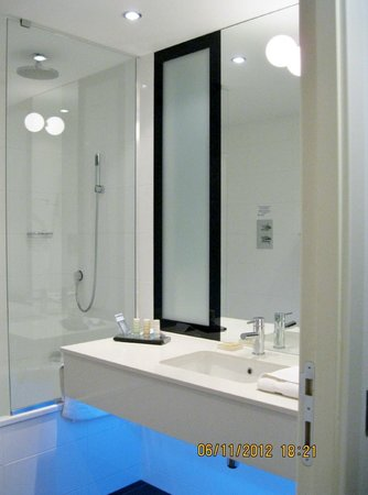 Radisson Blu Hotel, East Midlands Airport: Bathroom