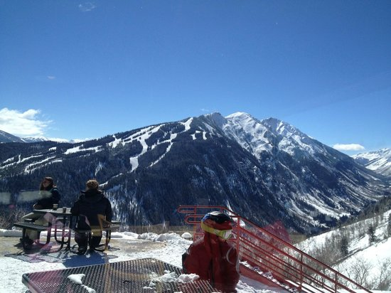 Buttermilk Mountain: This is the lesser view from the top, this is a view of the other ski areas