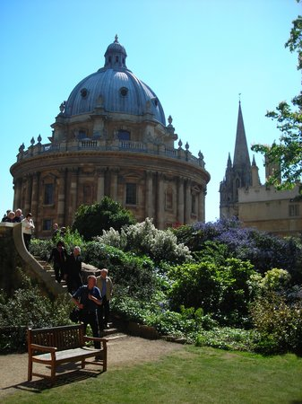 Explore Oxford Day Tours