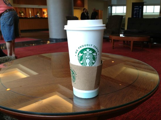 Hilton Atlanta Airport: Starbucks IN the hotel lobby!