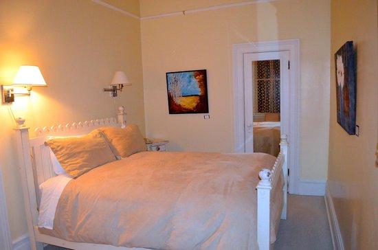 Fairholme Manor: Second bedroom in Rose Garden suite