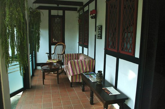 The Lakehouse, Cameron Highlands: Petite véranda où prendre le thé