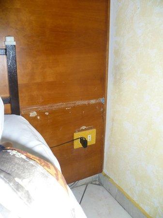 Hotel Farini: comodino mancante