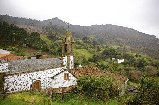 El Castaño Dormilón: San Andrés de Teixido (a 25 minutos del hotel)