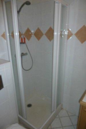 Résidence CGH Les Granges du Soleil : douche