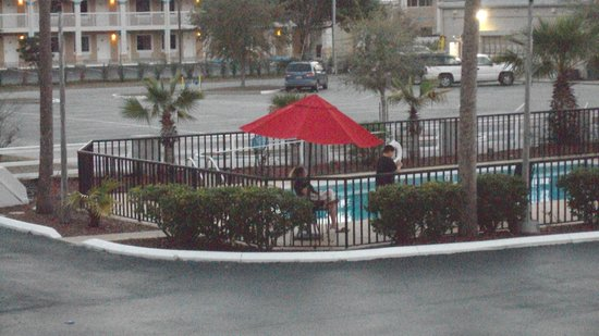 Days Inn Clermont Theme Park West: my wife and my little boy loved the pool