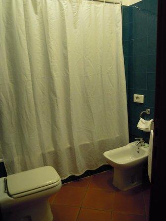 Hotel Corona D'Italia: Badezimmer