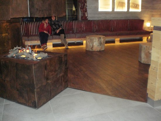 Hotel Cristallo: Divani bar