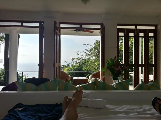 Makanda by the Sea : Don't mind the feet in the picture, admire the view!