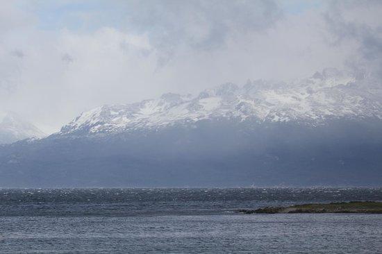Hotel Los Yamanas : De besneeuwde Chileense bergtoppen