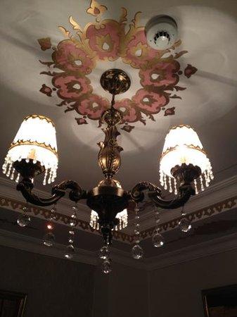 Sultans Royal Hotel: lampadario