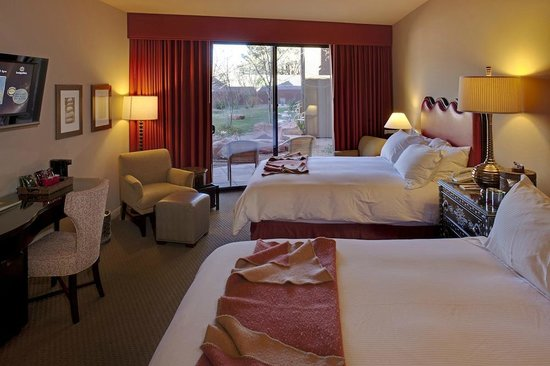 Sedona Rouge Hotel and Spa: Two Queens on first floor