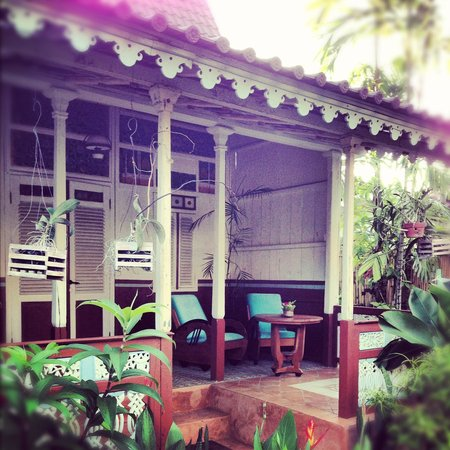 Hotel Puri Tempo Doeloe: balcone