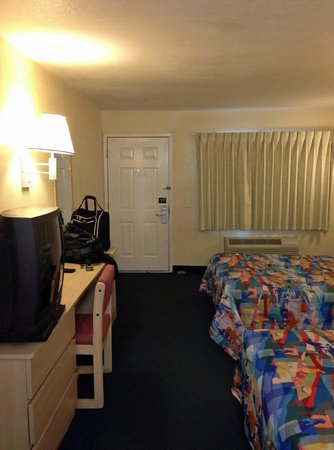 Motel 6 Destin : room overview 2