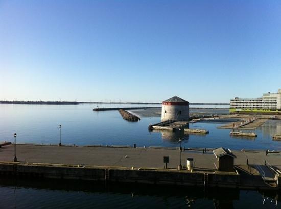 هوليداي إن كينجستون ووتر فرونت: Holiday Inn Waterfront Lake Ontario View...