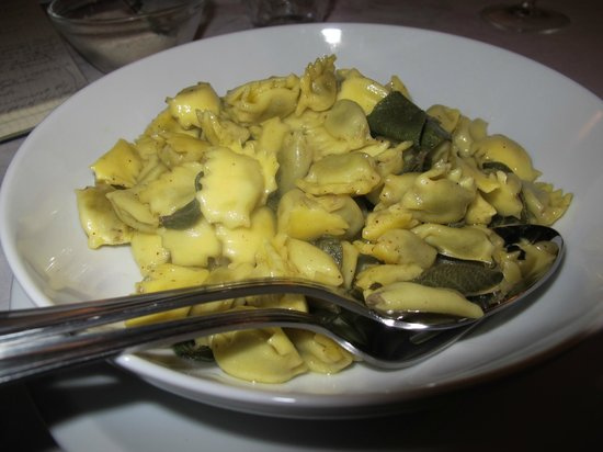 Agriturismo Il Bricco: Agnolotti di plin with sage and butter