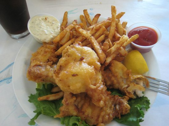 Vivolo's Chowder House: Fish and chips