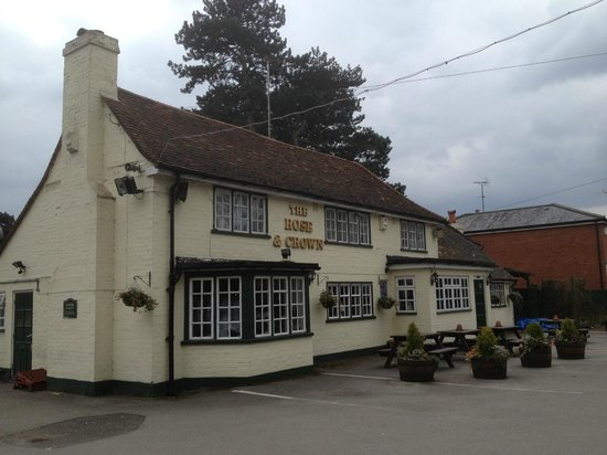 Rose & Crown: Outside