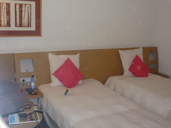 Novotel Amsterdam City: double single bedroom - to avoid