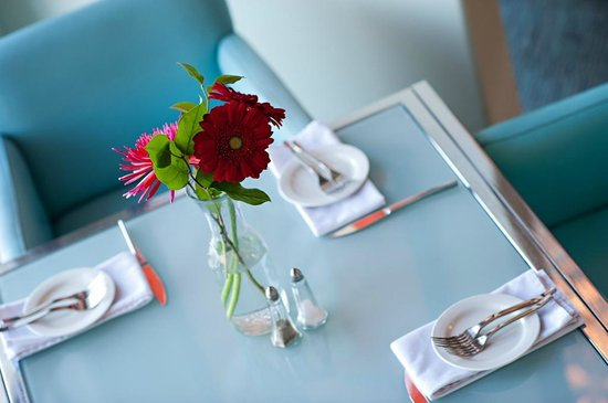 Chilled Cork Restaurant and Lounge: Beautiful Table Set Up