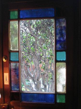 Saltbox : View out Unopenable Door in Living Room