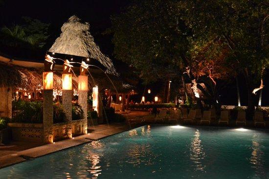 Hotel Tamarindo Diria: Pool