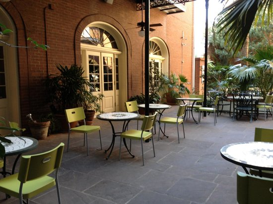 Hotel St. Marie: Courtyard