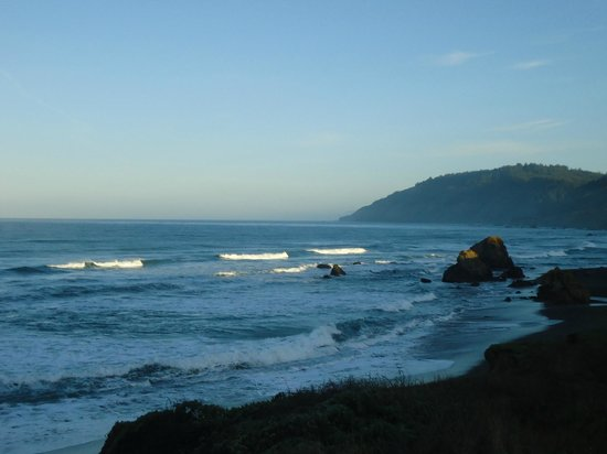 Howard Creek Ranch: Sunrise at the Beach