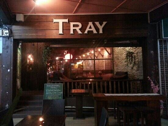 Tray Cafe : front