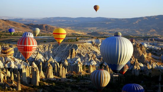 Arch Palace Hotel: Don´t miss the balloon ride
