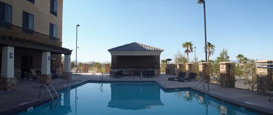 Radisson Hotel Yuma: Pool