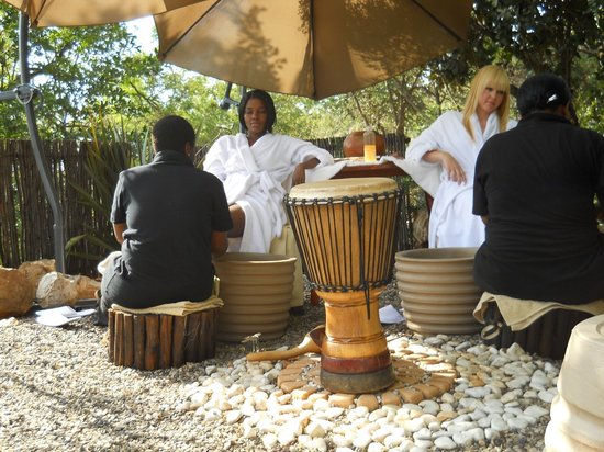 Mbokoto Country Lodge & Spa: African Spa