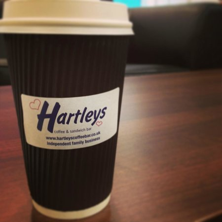 Hartleys Coffee & Sandwich Bar : hot chocolate <3