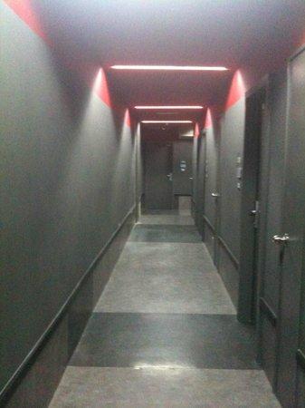 Tune Hotel Kuala Lumpur: The corridors a little jail like