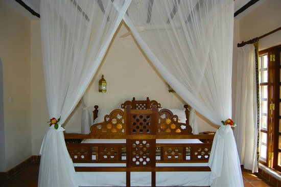 Diani Blue: Bedroom at Asha...