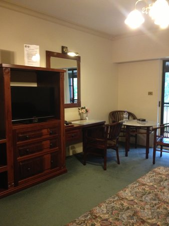 The Lawson Motor Inn: Room - Executive