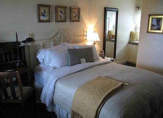 Casa Laguna Hotel & Spa: My incredibly comfortable bed