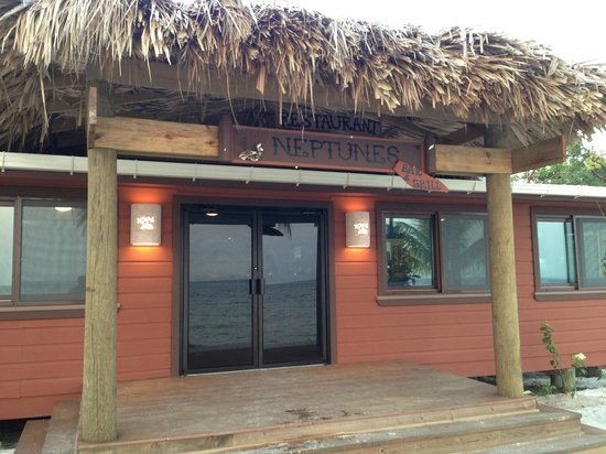 Neptune's Restaurant and Bar: Neptune's @ Coral Beach Village - Utila Honduras