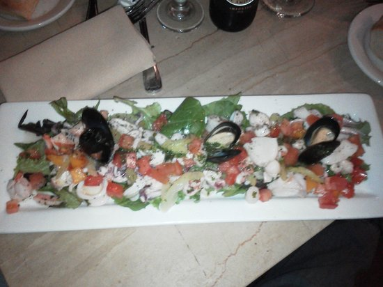 Cassariano Italian Eatery: Seafood appetizer