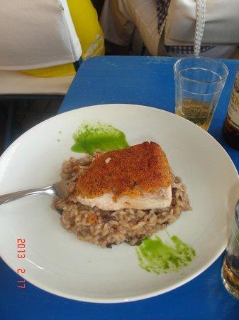 Rocka Beach Lounge & Restaurant: arroz con hongos y pescado!