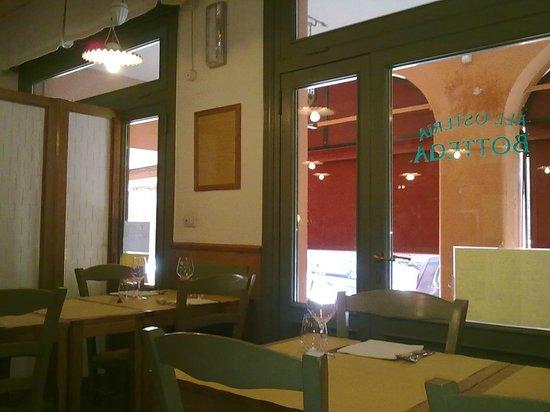 Sala da pranzo interno foto di all 39 osteria bottega for Sala pranzo vecchia