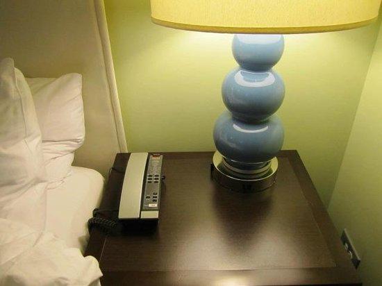 ACME Hotel Company Chicago: phone
