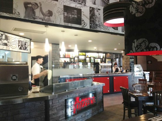 Red Dining : Red Pizzeria Interiors