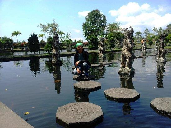 Tirta Ayu Hotel & Restaurant: Great Garden,...
