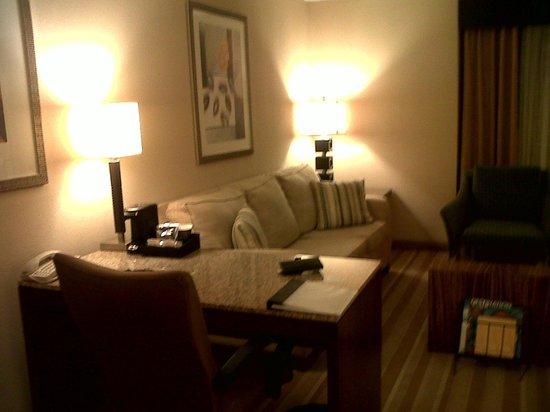 Hyatt Regency Miami: Suite living area