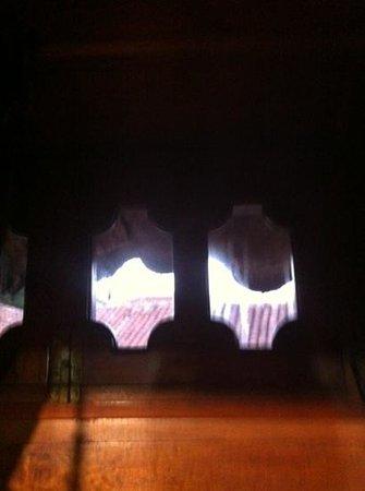 Hotel Plaza Santo Domingo: vetri finestra sporchi