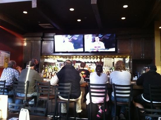 Village Bar & Grill: nice Bar