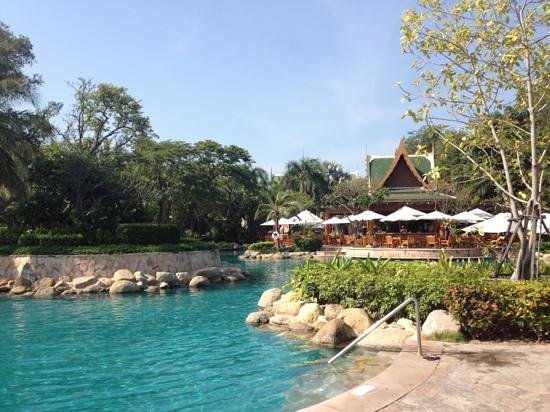 Hyatt Regency Hua Hin: pool area