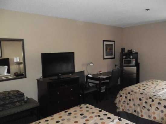 Quality Inn & Suites Peoria: Our room